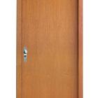 Porta de madeira lisa