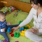 Baba brincando com o bebe stokmen shutterstock 0000000000004dc3